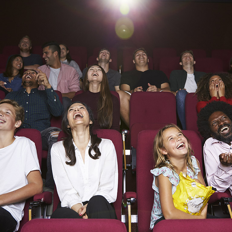 audience-in-cinema-watching-comedy-film-thorne-travel-kilwinning-ayrshire-478382761-crop